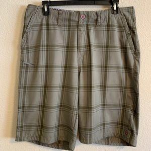 Men's Quicksilver plaid shorts, Size 38
